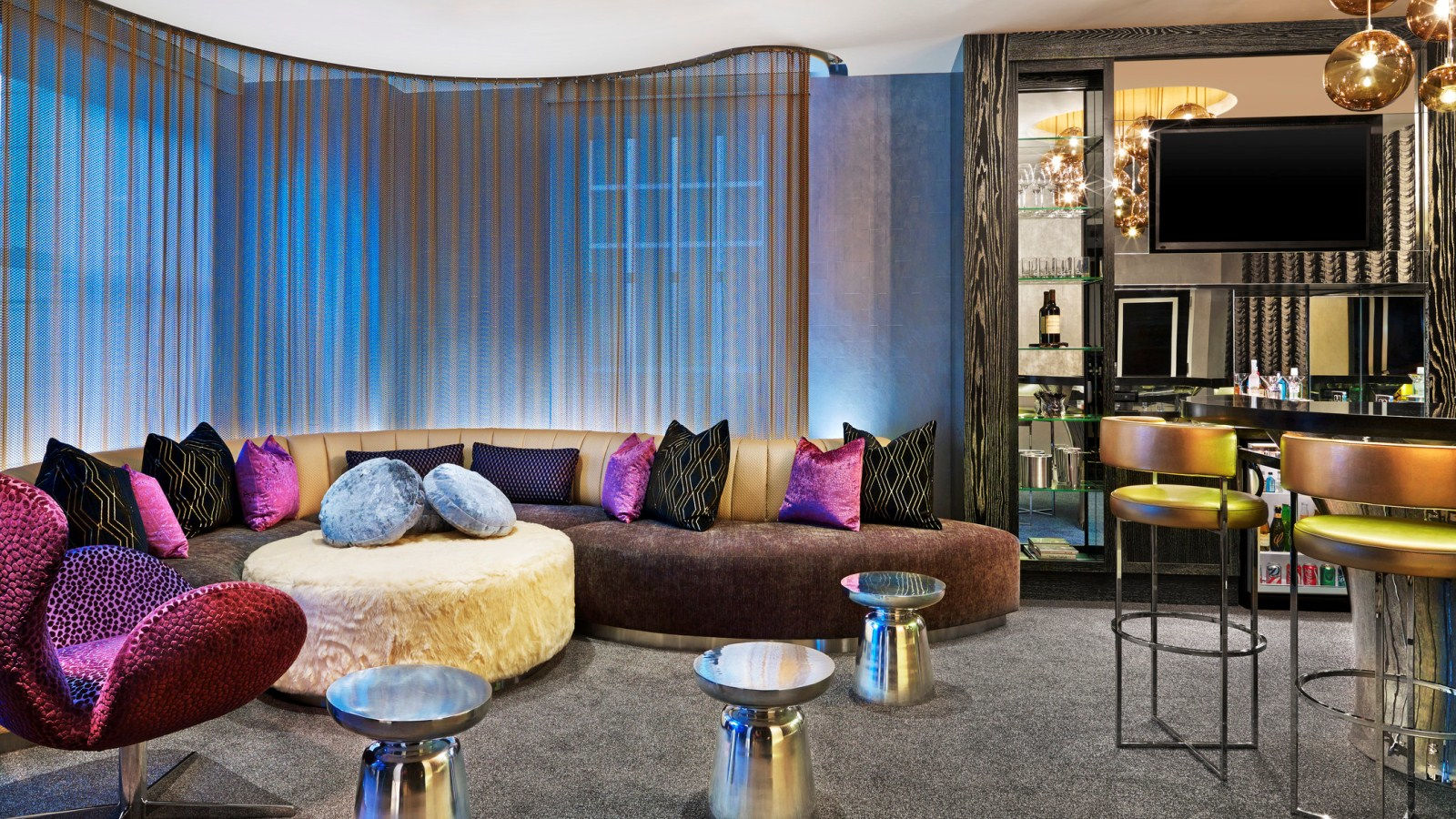Downtown Chicago Hotel Rooms - Extreme WOW Suite