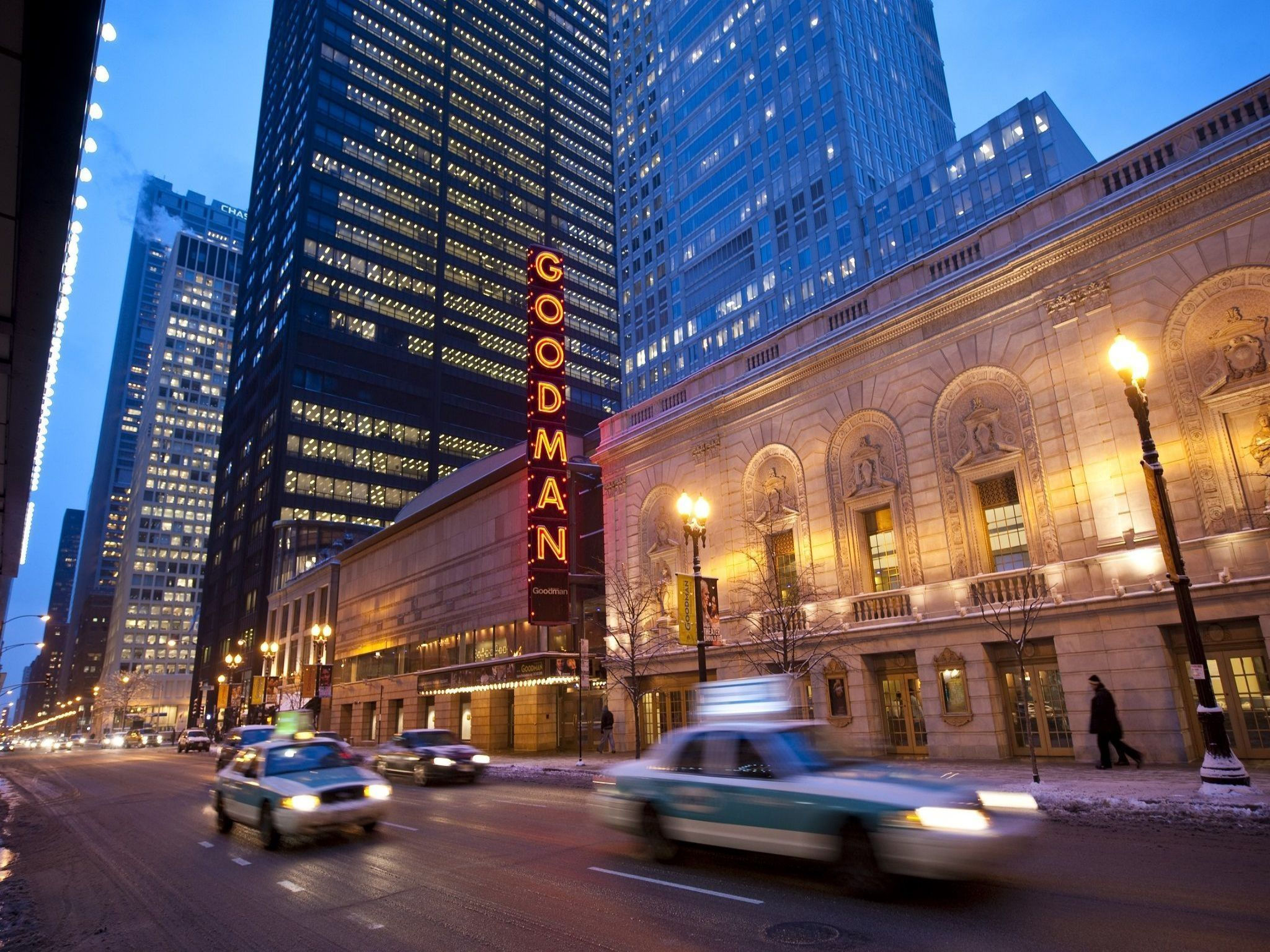 Hotels Near Cadillac Palace Chicago